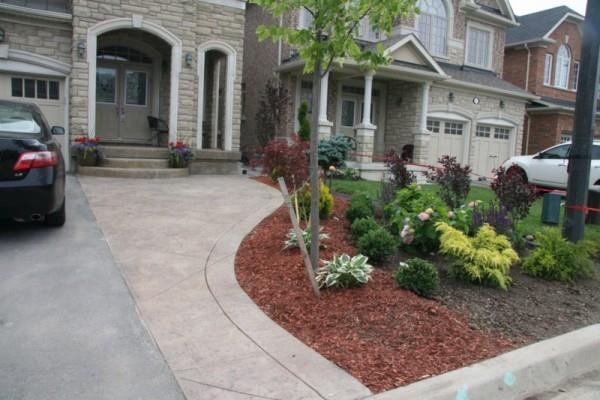 Front Patio – Richmond Hill
